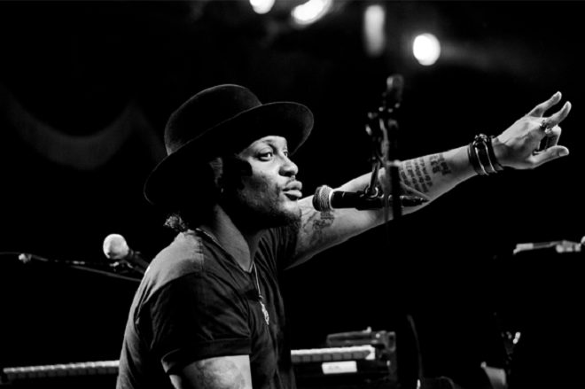 "D'Angelo Surprises With ""Unshaken"" 